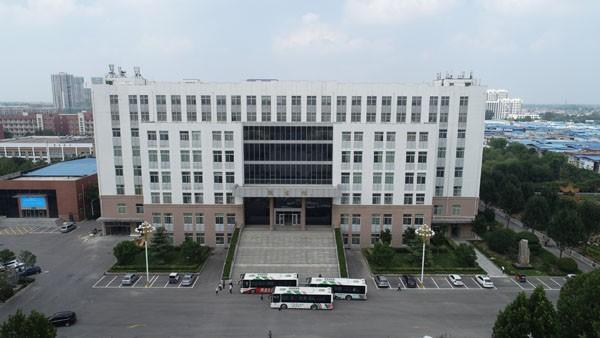 菏泽医专图书馆